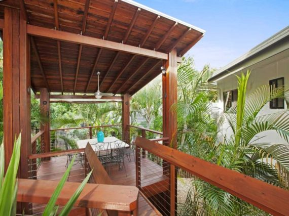 cairns-extension-wooden-deck-wire-balustrade