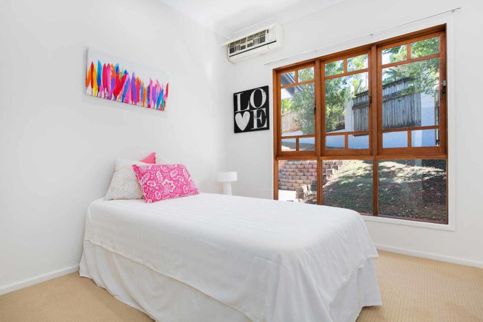 7-torazzi-room-pink-pillow-case